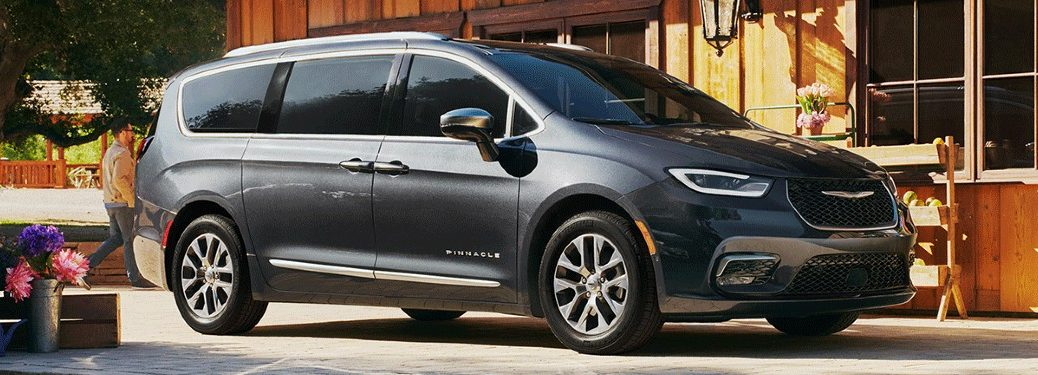 2021 Chrysler Pacifica in front of building