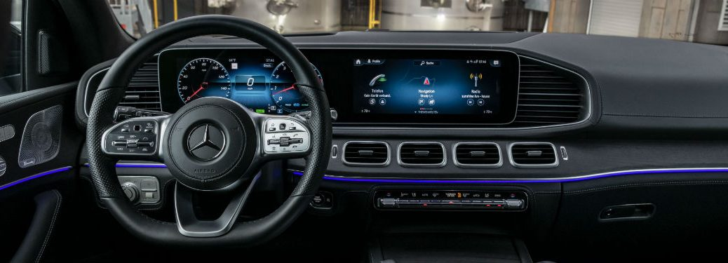 2020 MB GLS interior front cabin steering wheel and touchscreen dashboard