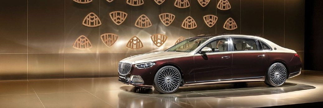 2021 Mercedes-Benz Maybach S-Class Sedan Exterior Driver Side Front Profile on Stage