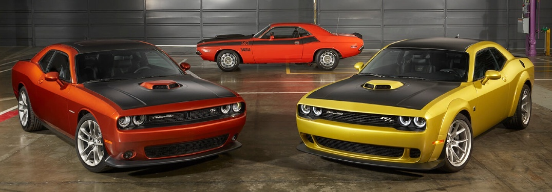 How many color options are available for the 2020 Dodge Challenger?