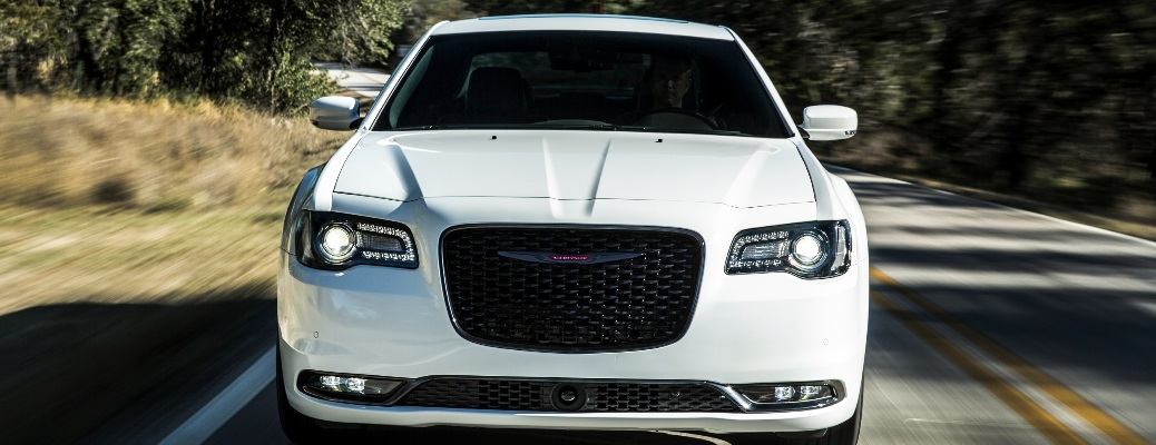 Front end of the 2021 Chrysler 300