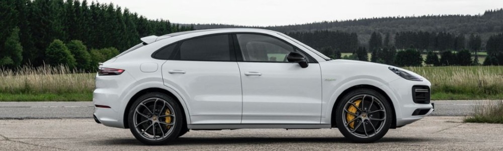 side view of the Cayenne E-Hybrid