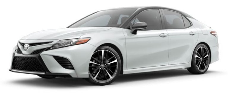 2019 Toyota Camry in Wind Chill Pearl with Midnight Black Metallic Roof and Rear Spoiler