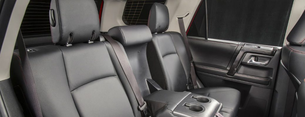 Does the Toyota 4Runner have standard three rows of seating?