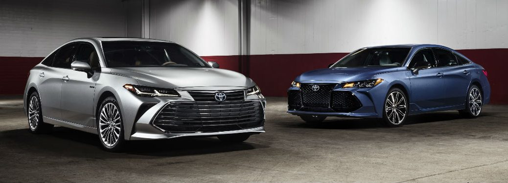 Two 2019 Toyota Avalon Models in Silver and Blue