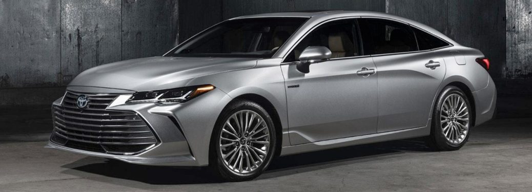 silver 2019 Toyota Avalon front side view