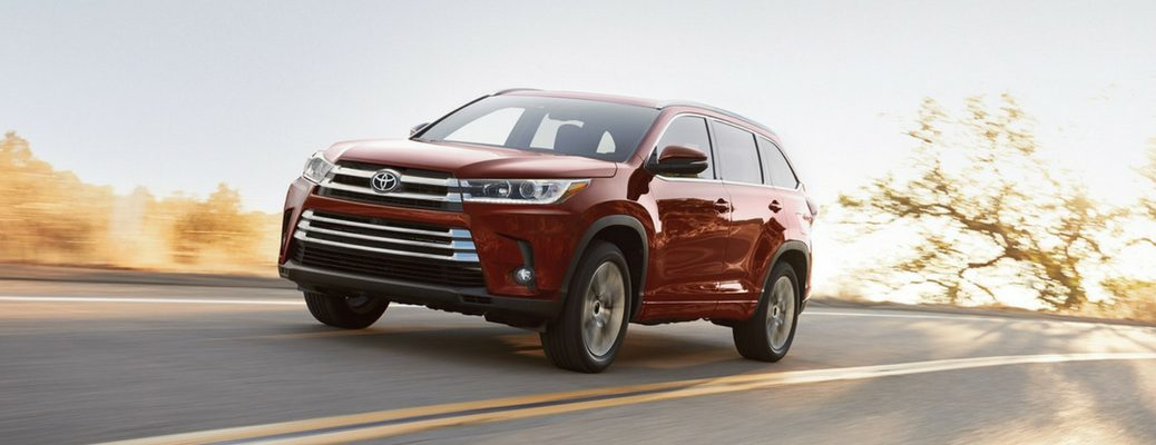 2018 Toyota Highlander Front View of Red Exterior