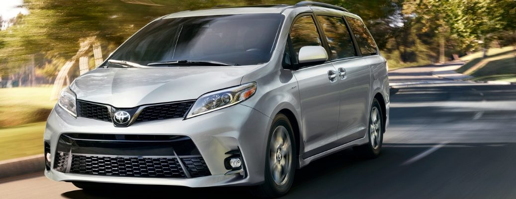 2019 Toyota Sienna Front View of Silver Exterior