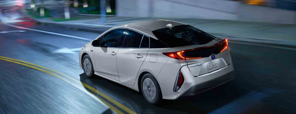 Does the 2017 Toyota Prius Prime or Chevy Volt have more fuel efficiency?