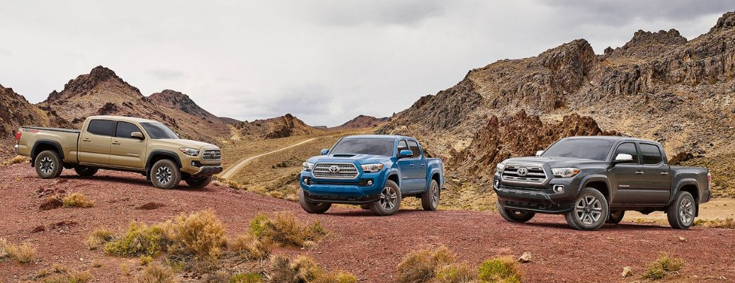 What engines are available in the 2017 Toyota Tacoma?