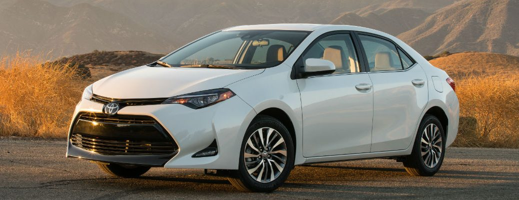 What colors does the 2018 Toyota Corolla come in?