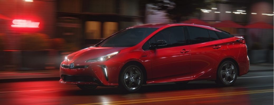 side view of the 2021 Toyota Prius