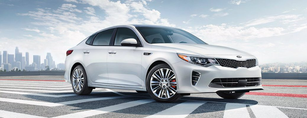 Does the 2017 Kia Optima come with leather seats?