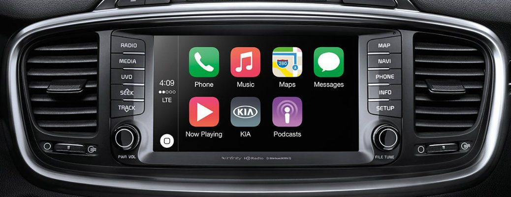 Which 2017 Kia have Apple CarPlay?