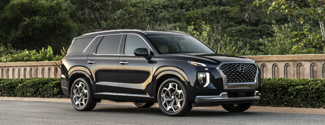 Side view of black 2021 Hyundai Palisade