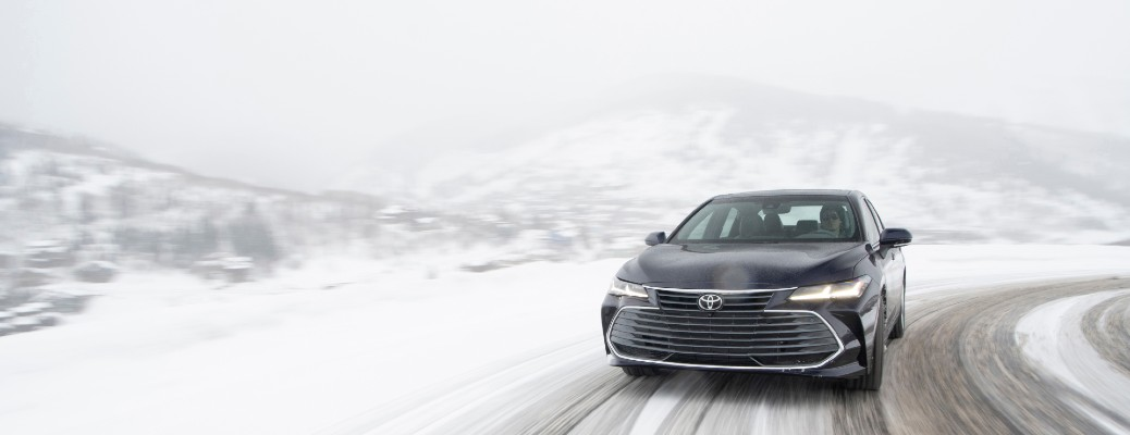 2021 Toyota Avalon driving in snow
