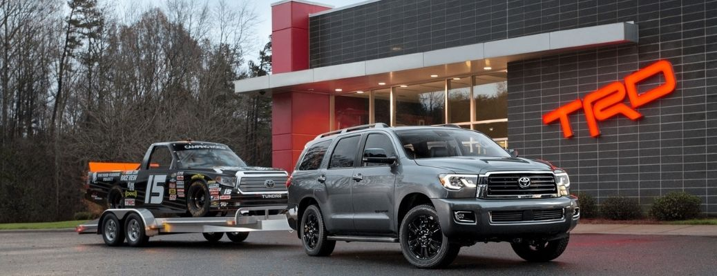 2021-Toyota-Sequoia-towing-a-trailer