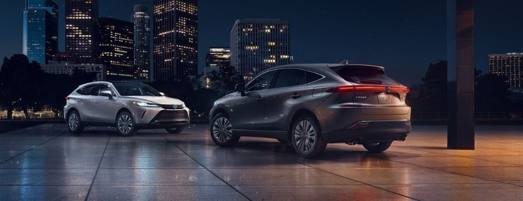 2021 Toyota Venza parked side view