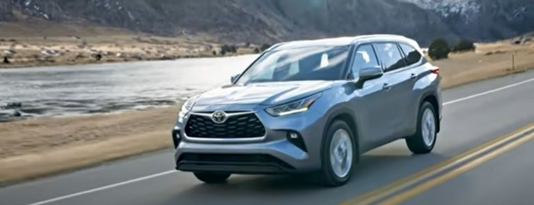 What information is available on the 2022 Toyota Highlander?