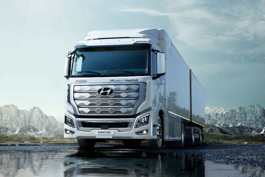 Worlds First Fuel Cell Heavy-Duty Truck Hyundai XCIENT Fuel Cell Heads to Europe for Commercial Use Exterior Front