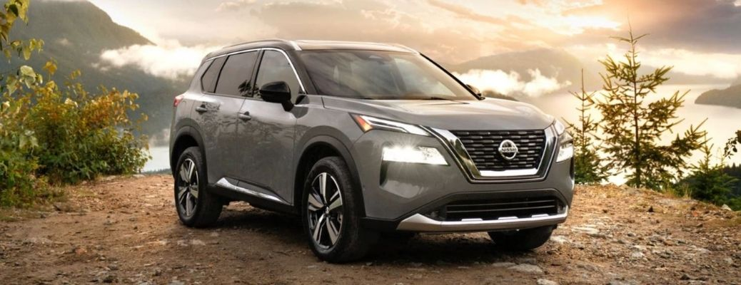 2021 Nissan Rogue Front and Side View