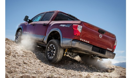 2018 Nissan Titan going off-road