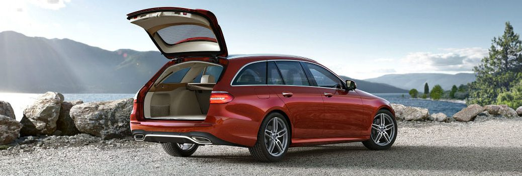 2021 MB E-Class wagon with rear hatch open