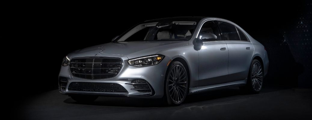 2021 Mercedes-Benz S 580 4MATIC Sedan front and side view