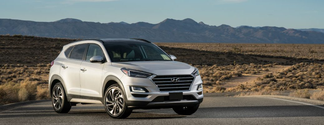 A front right quarter photo of the 2021 Hyundai Tucson.