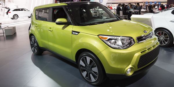 View the bold exterior of the wheelchair-accessible Kia Soul