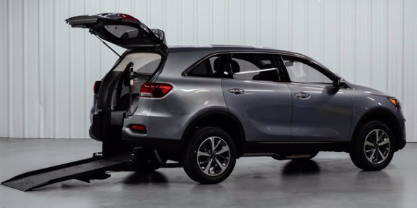 The wheelchair-accessible Kia Sorento is now available with an automatic rear ramp