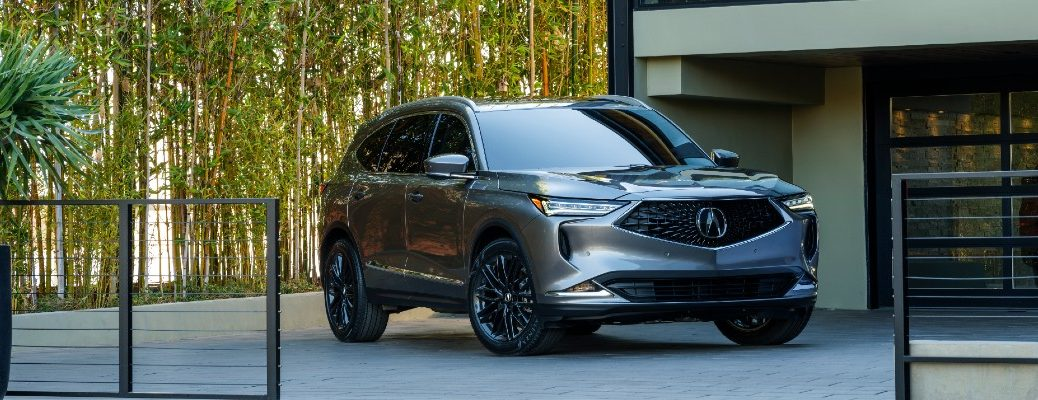 A head-on photo of the 2022 Acura MDX.