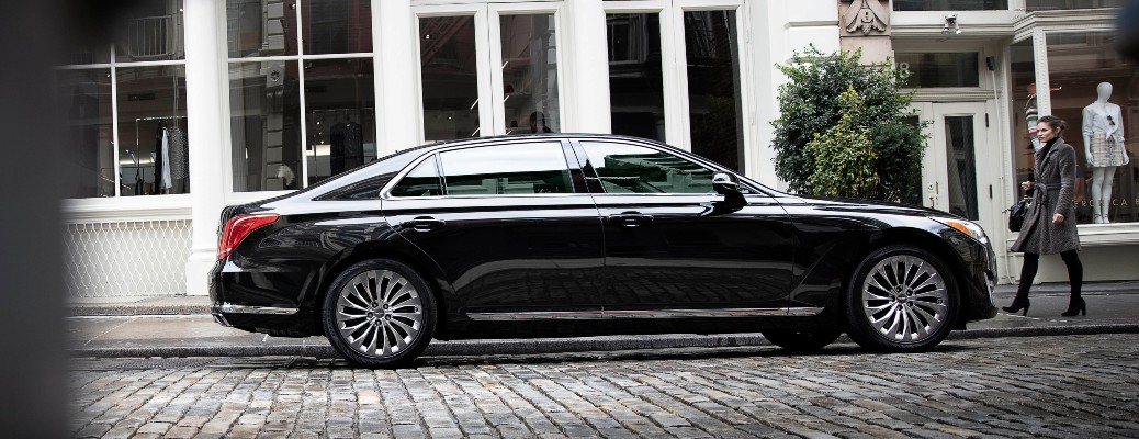 side view of genesis g90