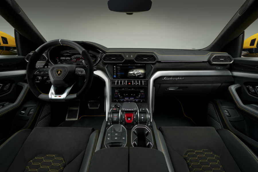 A photo of the front dashboard used in the Lamborghini Urus.