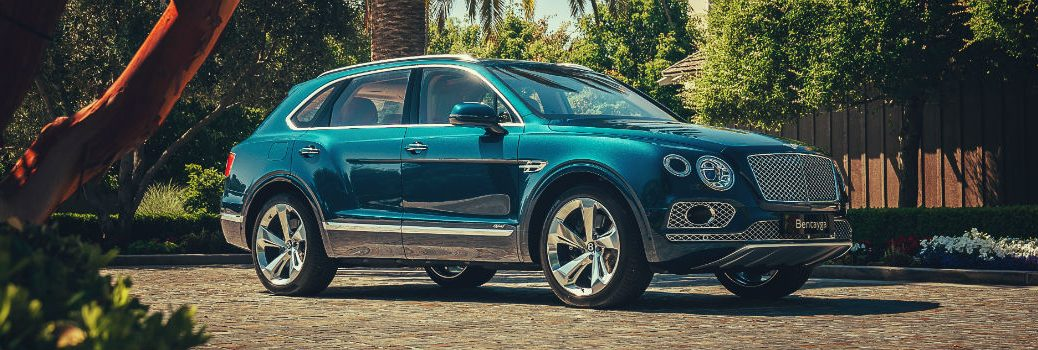2020 Bentley Bentayga Exterior Passenger Side Front Profile