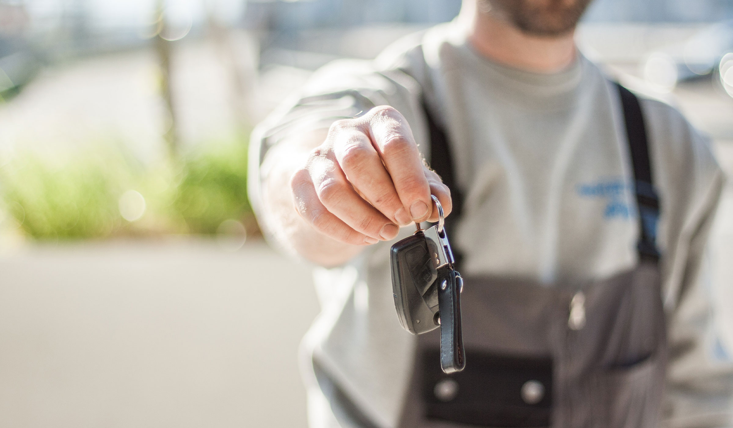 7 Reasons You Should Sell Your Used Car To A Dealership vs. Privately