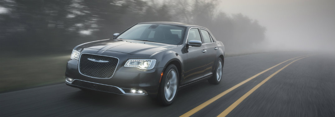 Does the 2019 Chrysler 300 get Equipped with Apple CarPlay and Android Auto?