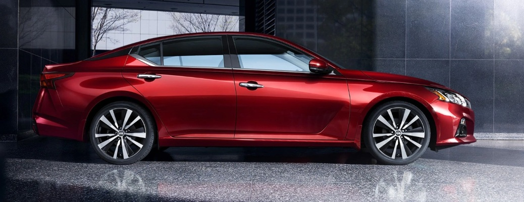 Profile view of the 2021 Nissan Altima