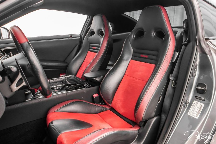 2014 Nissan GT-R Black Edition Interior Cabin Front Seating