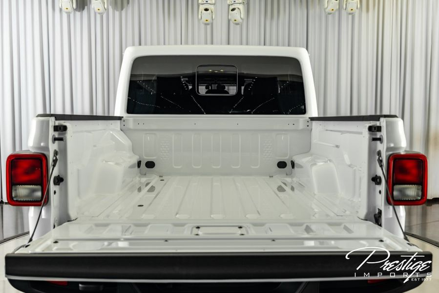 Customized 2021 Jeep Gladiator 80th Anniversary Exterior Truck Bed