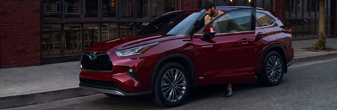 Everything you Should Know About the Infotainment Features of the 2021 Toyota Highlander Hybrid