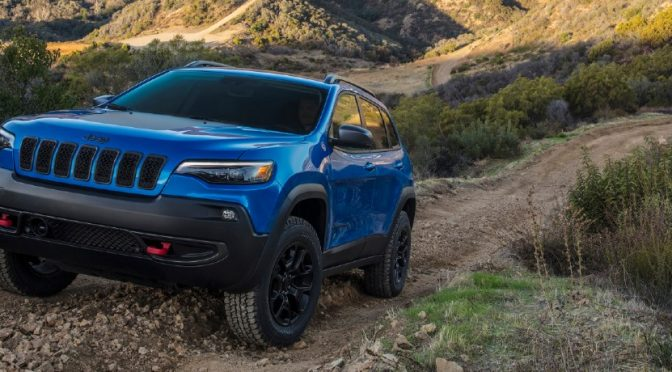 2021 Jeep Cherokee on uphill trail