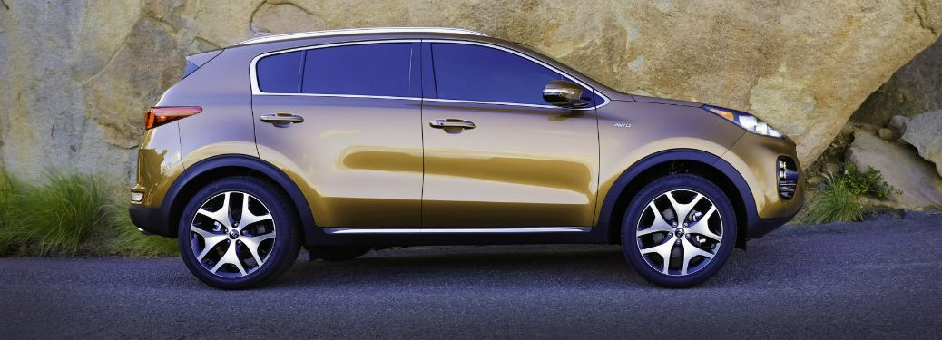 right side view of kia sportage
