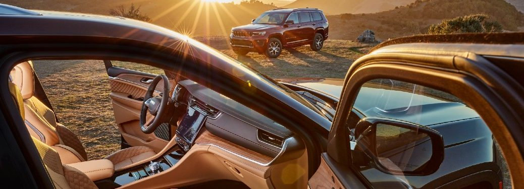 2021 Grand Cherokee L front seats