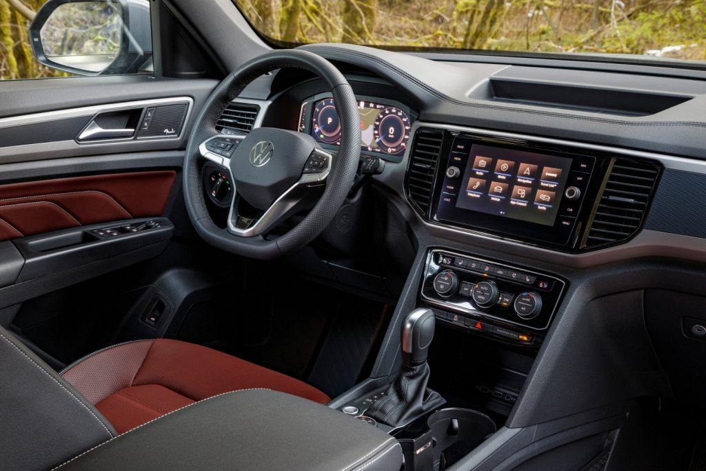 2020 Volkaswagen Atlas Cross Sport interior steering wheel and dash