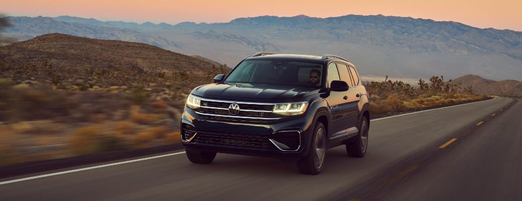 A front left quarter photo of the 2021 Volkswagen Atlas.