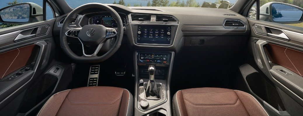 The dashboard and front seats in the 2022 Volkswagen Tiguan.