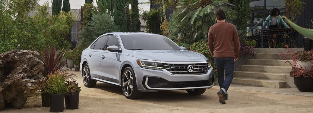 What are the specs and design of the 2021 Volkswagen Passat?