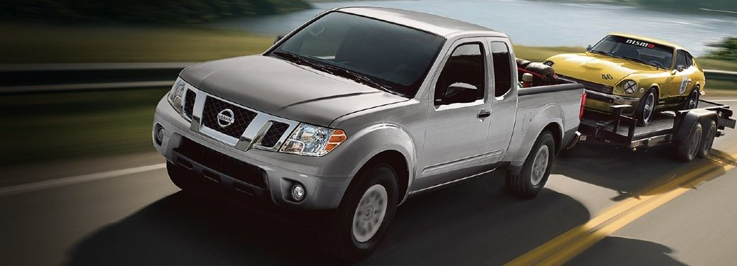 2021 Nissan Frontier towing car