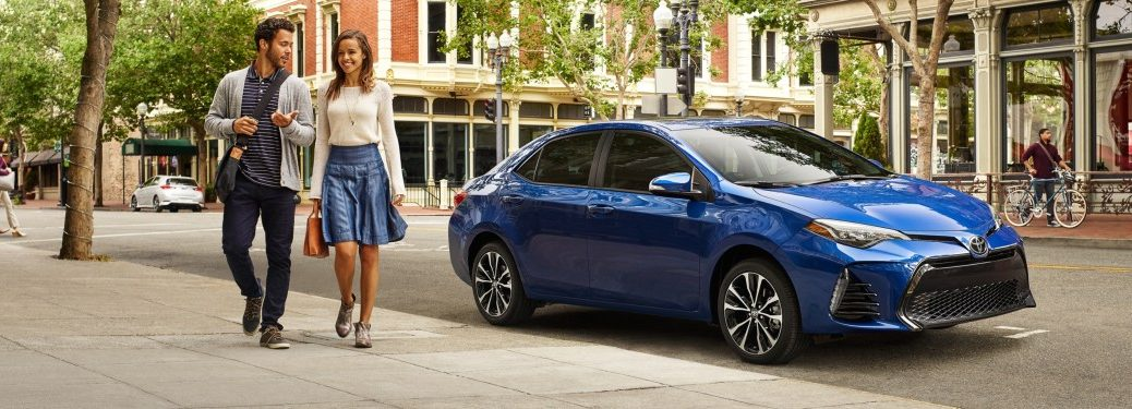 2019 Toyota Corolla blue side view